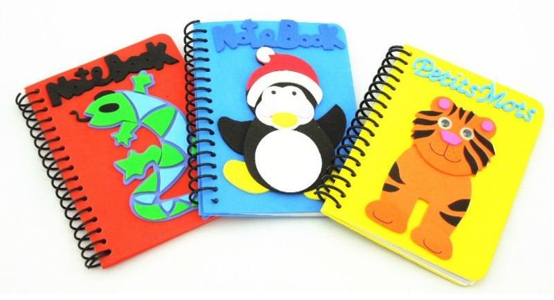 Capas de caderno em E.V.A.