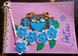 Linda capa de caderno de nossa parceira: http://coisasdetuka.blogspot.com.br/