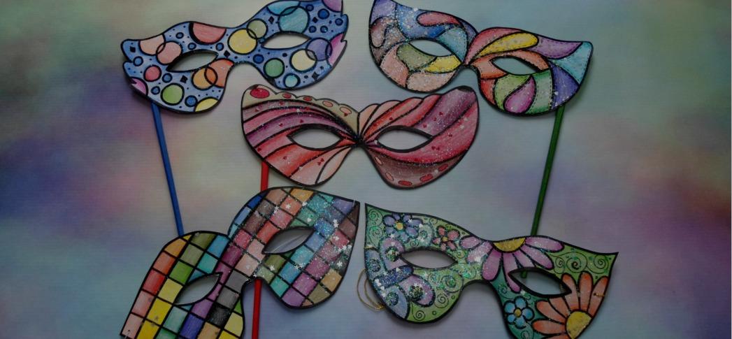 Máscaras e decoração de carnaval em E.V.A.
